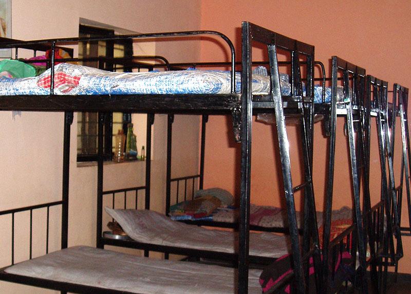 Neuanschaffung: Stockbetten für den Schlafsaal